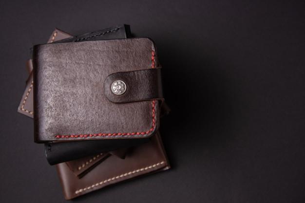 แนะนำ 7 อันดับ กระเป๋าหนัง กระเป๋าสตางค์ สำหรับผู้ชาย ราคาถูก ปี 2020