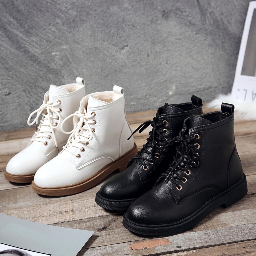 รองเท้า Boots ยี่ห้อไหนดี Bootie สีขาว