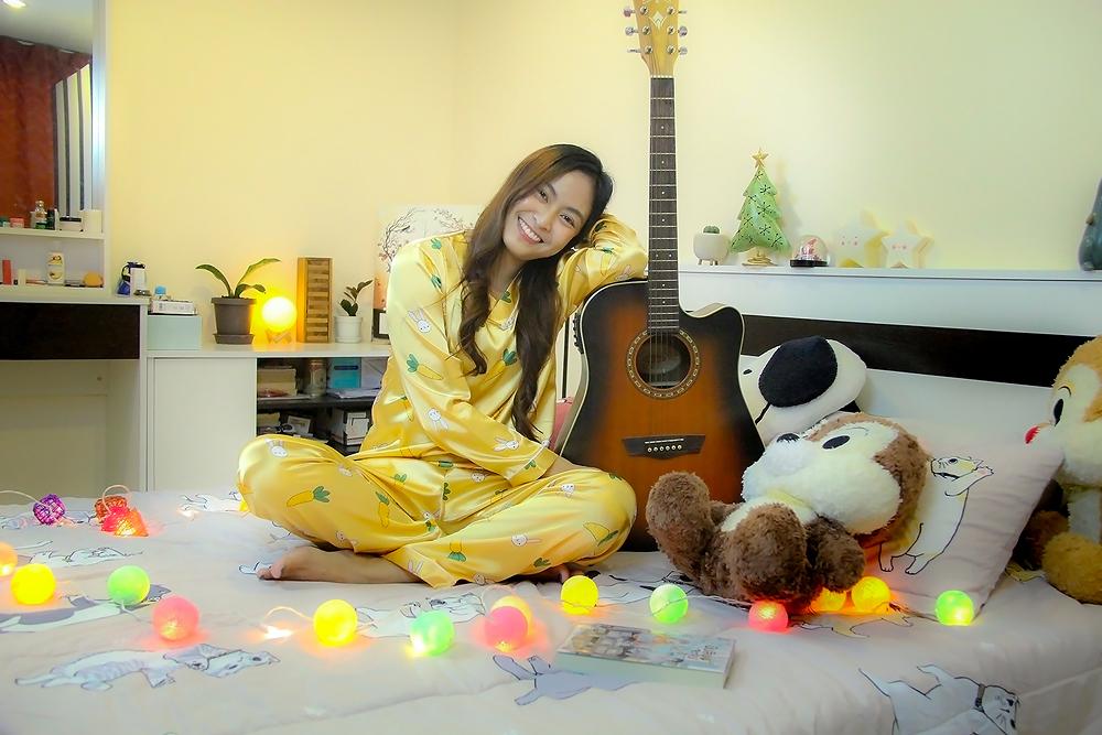 ชุดนอนสีเหลือง