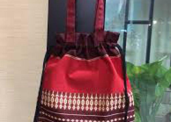 กระเป๋าผ้า มีหูรูด ทอลายดอกมะลิ